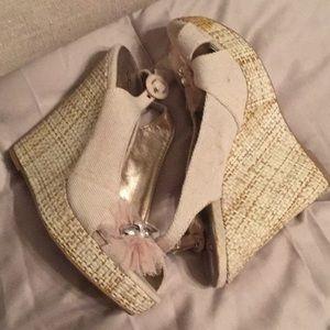 Qupid Shoes - Wedge slingback